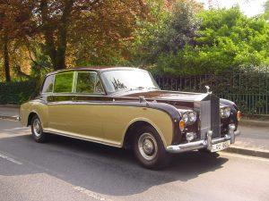 royal-car-of-king-rama-10-rolls-royce-phantom-vi