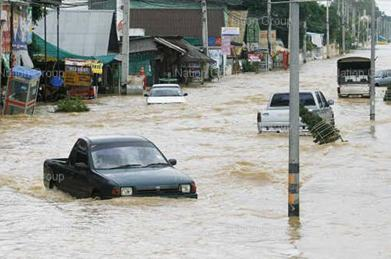 flood-in-the-south-of-thailand