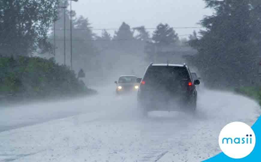 การขับรถในฤดูฝน